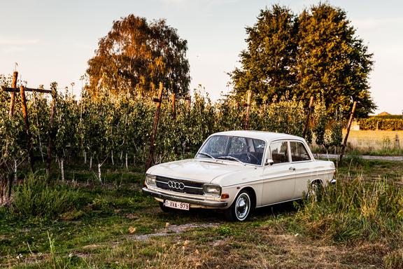 Oldtimerverhuur-wagen-audi-60L-9.jpg