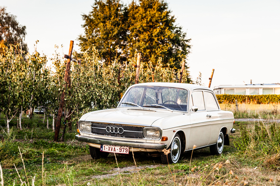 Oldtimerverhuur-wagen-audi-60L-10.jpg