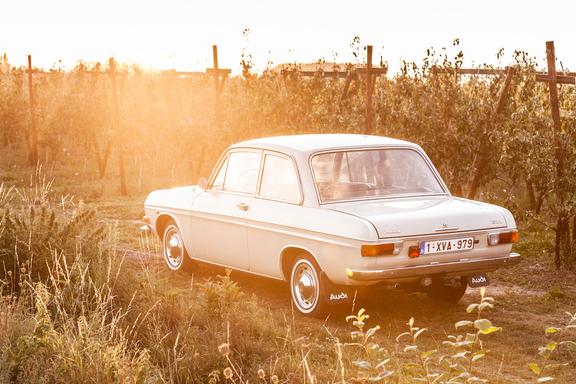 Oldtimerverhuur-wagen-audi-60L-5.jpg