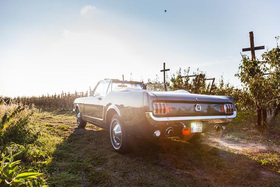 Oldtimerverhuur-wagen-Ford-Mustang-V8-Convertible-6.jpg