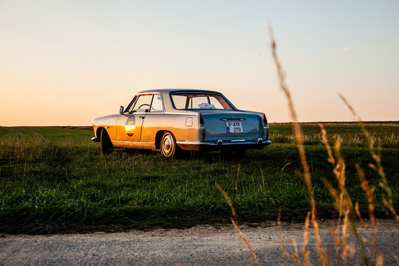 Oldtimerverhuur-wagen-lancia-flaminia-coupe-3B-2800-1.jpg