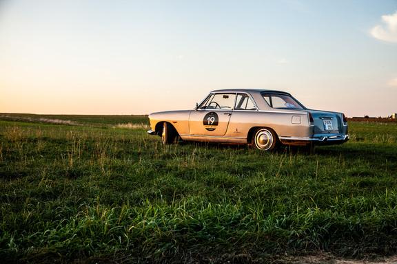 Oldtimerverhuur-wagen-lancia-flaminia-coupe-3B-2800-2.jpg