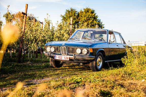 Oldtimerverhuur-wagen-BMW-2500-sedan-5.jpg