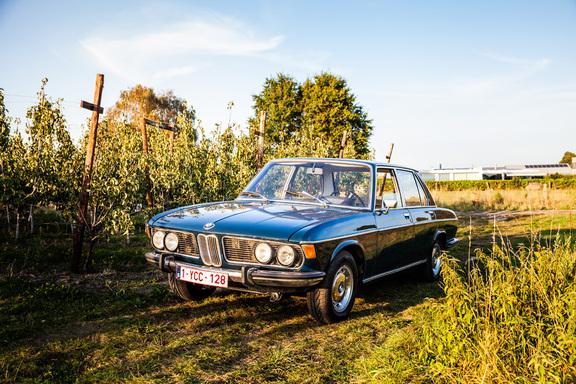 Oldtimerverhuur-wagen-BMW-2500-sedan-4.jpg
