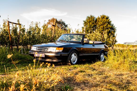 Oldtimerverhuur-wagen-saab-900-cabrio-8.jpg