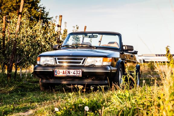 Oldtimerverhuur-wagen-saab-900-cabrio-14.jpg