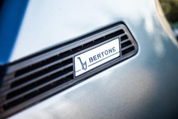 Oldtimerverhuur-wagen-Bertone-X-13.jpg