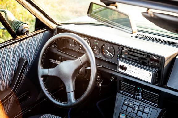 Oldtimerverhuur-wagen-Bertone-X-12.jpg